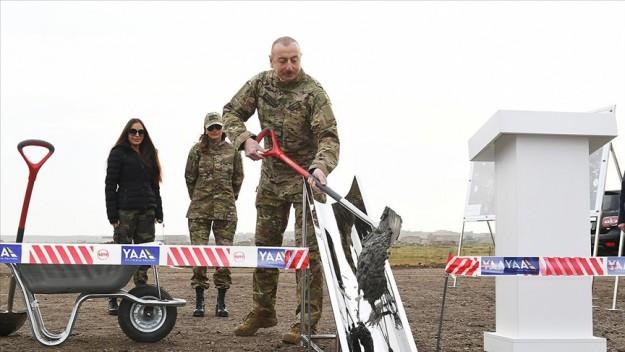 Azerbaycan Cumhurbaşkanı Aliyev, işgalden kurtarılan Fuzuli'de yeni havalimanının temelini attı