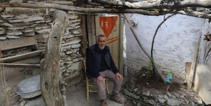 Baraj suları altında kalan köylerini terk etmiyorlar