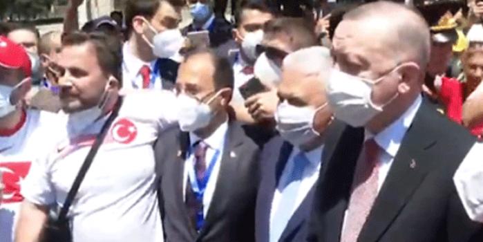 Başkan Recep Tayyip Erdoğan taraftarlarla bir araya geldi