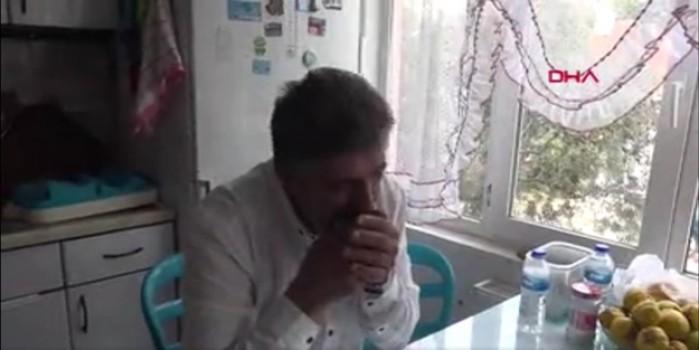 Sıradışı alışkanlık... Bu adam 40 yıldır cam yiyiyor!