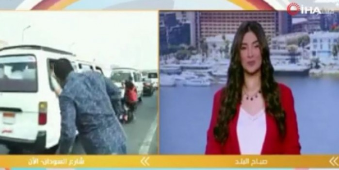 Canlı yayında muhabire motosiklet çarptı! Anında yayını kestiler