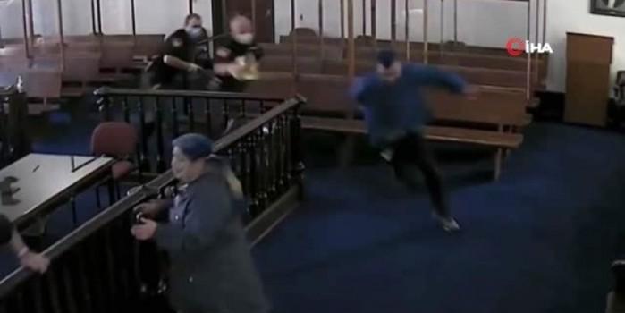 Ceza aldığını duyan suçlu mahkeme salonundan böyle kaçtı