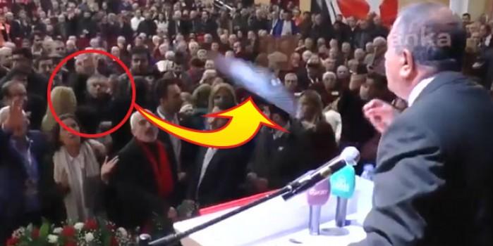 CHP kongresinde yine kavga çıktı! Bu sözleri duyunca şişe fırlattılar