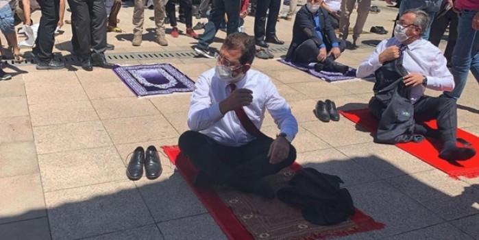 CHP'li İBB Cuma namazına giden personeli fişlemeye başladı