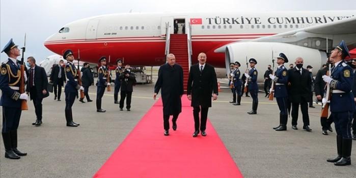 Cumhurbaşkanı Erdoğan Fuzuli Uluslararası Havalimanı'na inen ilk devlet başkanı oldu