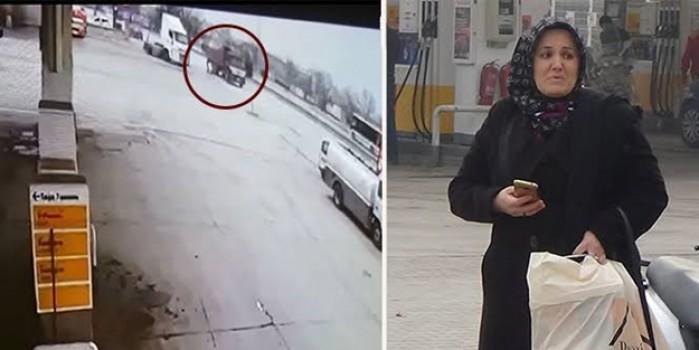 Elektrikli bisiklet sürücüsünün hayatını kaybettiği kaza kamerada... Eşine kimse söyleyemedi