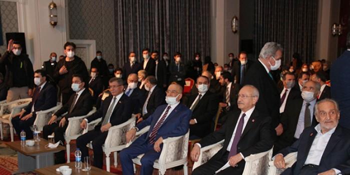 Erbakan'ı anma programında HDP Eş Genel Başkanı Sancar'ı alkışlattılar!