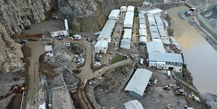 Felaketin bilançosu böyle görüntülendi! Selin vurduğu Yusufeli Barajı'nın şantiyesinde korku dolu anlar