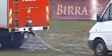 Futbol maçında ambulans skandalı!