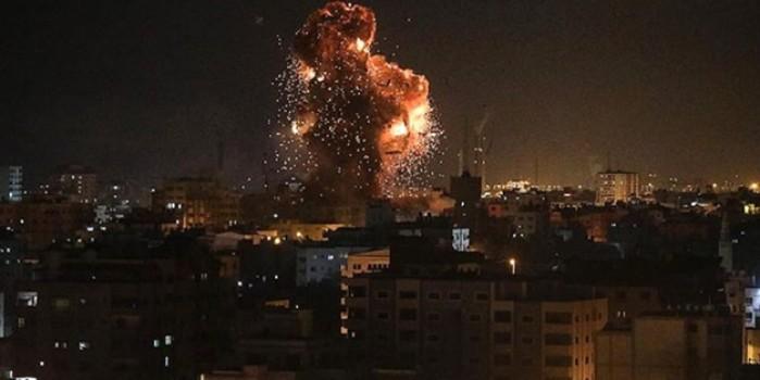 Gazze şeridinde bir siyonist alçağın vurulma anı!