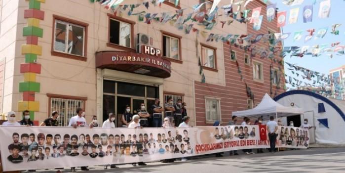 HDP önündeki ailelerin evlat nöbeti 388'inci gününde