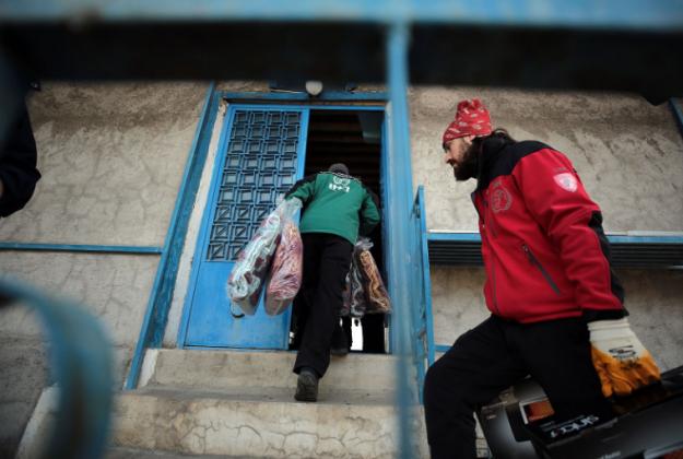 İHH'dan depremden etkilenen Süryani kilisesine yardım