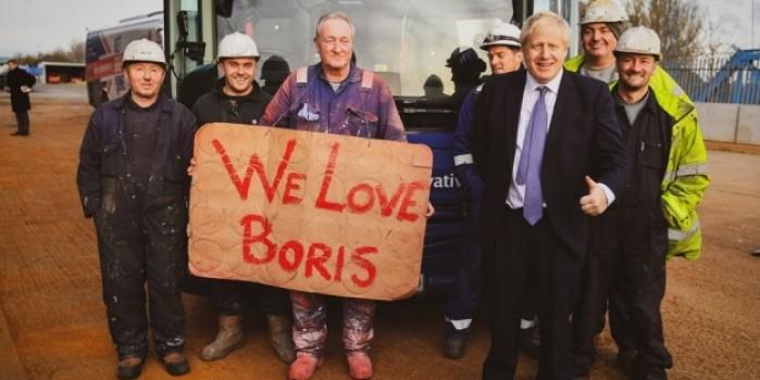 İngiltere'de Muhafazakar Parti 2 yıl aradan sonra tek başına iktidar