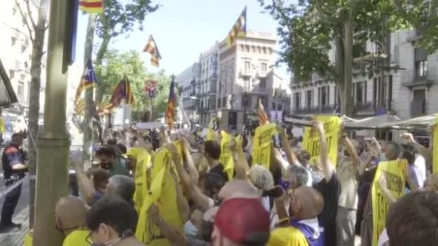 İspanya Başbakanı Sanchez, protesto edildi