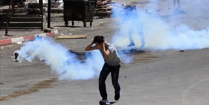 İsrail askerlerinin Batı Şeria'daki gösteriye müdahalesinde 32 yaralı
