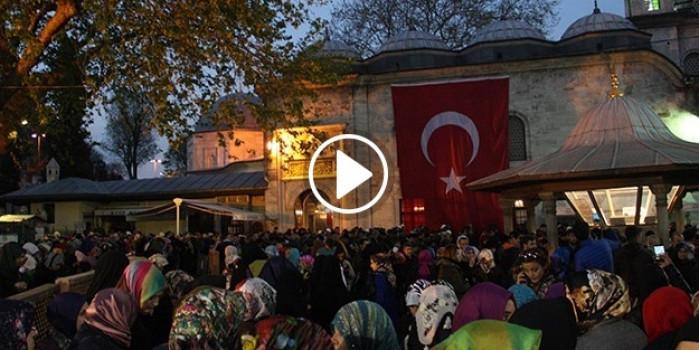 İstanbul'un camilerinde Miraç Kandili coşkusu