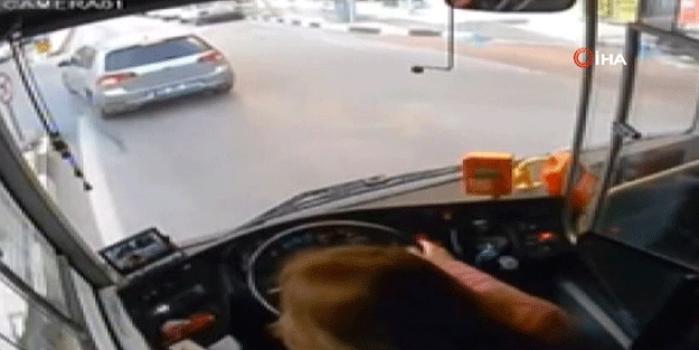 Kadın otobüs şoförünün o görüntüleri ortaya çıktı! İşine son verildi