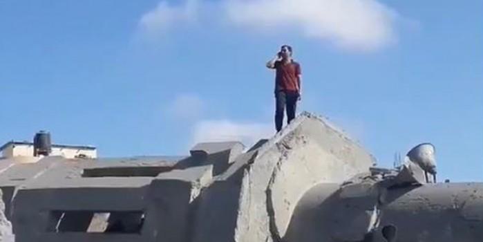 Kalibi Camii enkazının üzerindeki ezan sesi direnişin umudunu artırdı
