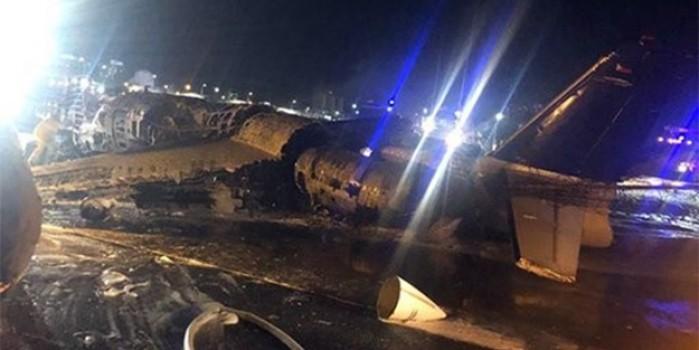 Kalkış sırasında alev alan uçak 8 kişiye mezar oldu