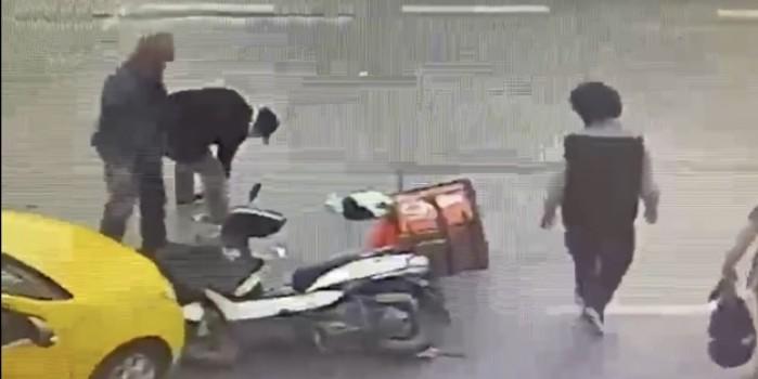 Kaza yapan sürücünün telefonunu çalıp kaçtı