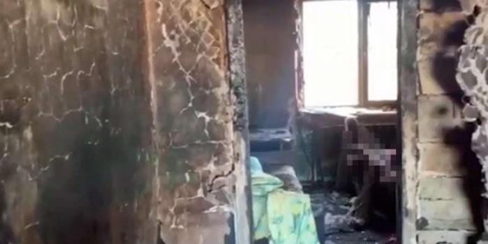 Kızgınlıkla evini yaktı, 6 yaşındaki çocuğu da yanarak can verdi