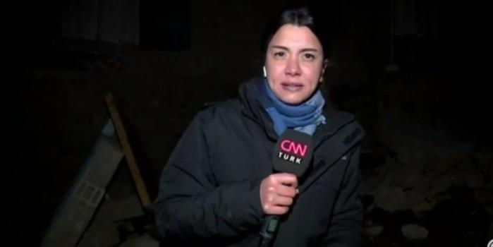 Korku dolu anlar! Kadın muhabir canlı yayında depreme yakalandı