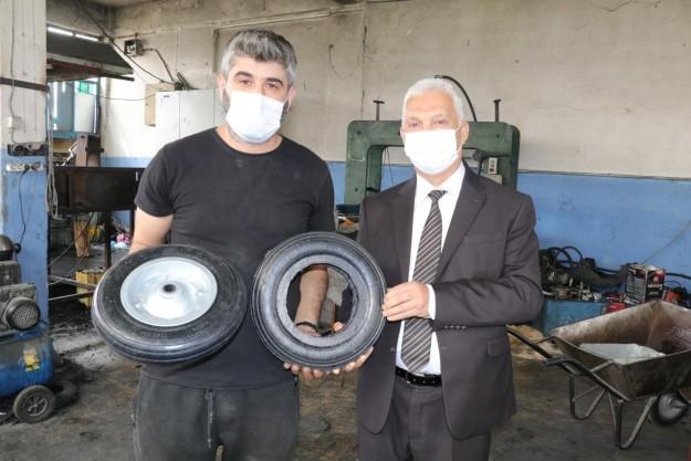 KOSGEB'den destek alan girişimci hurda lastikleri el arabası tekerleğine dönüştürüyor