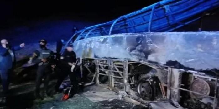 Mısır'da otobüs devrildi! Çok sayıda ölü var