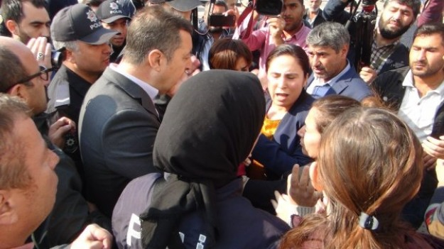 Polis amirinden HDP'lilere efsane cevap!