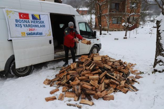 Sadakataşı Bosna'ya yardım ulaştırıyor