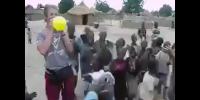 Sadece bir balonla gelen mutluluk... Ne az şükrediyoruz