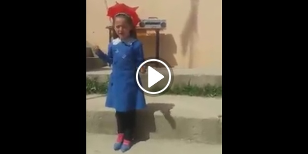 'Sakarya Türküsü'nü ezbere okuyan minik kız