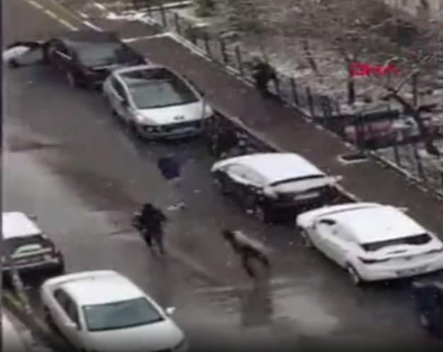 Selçuk Özdağ'a yönelik saldırının görüntüleri ortaya çıktı