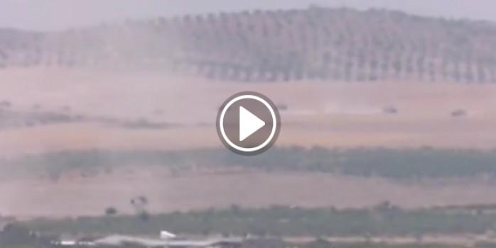 Tanklar canlı yayında Suriye'ye girdi