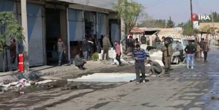 Tel Abyad'da siviller dükkan ve evlerini tamir ettior.