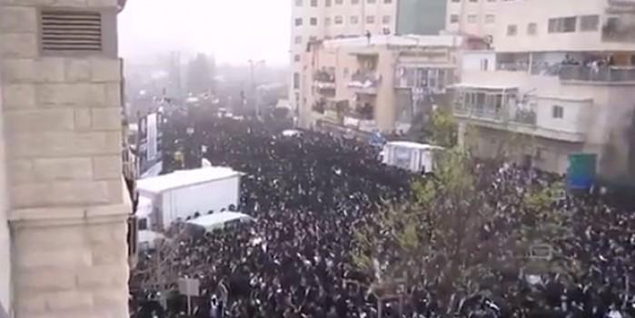 Terör devleti karıştı! Bir milyon kişi sokağa döküldü
