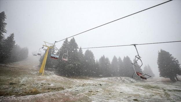 Uludağ ile Ilgaz'a mevsimin ilk karı yağdı