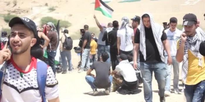 Ürdünlüler Filistinlilere destek için sınırda bekliyor