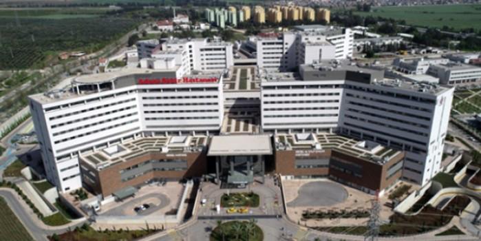 Yattığı hastanenin görüntülerini paylaşıp şöyle seslendi: Nankörlük etmeyin