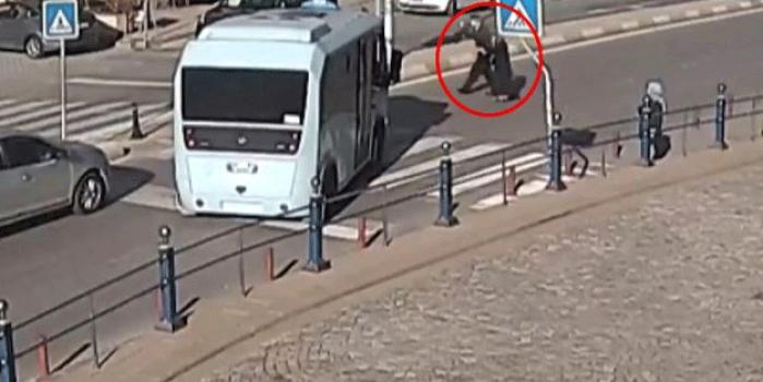 Yer: İstanbul! Minibüs şoförün yürek ısıtan hareket